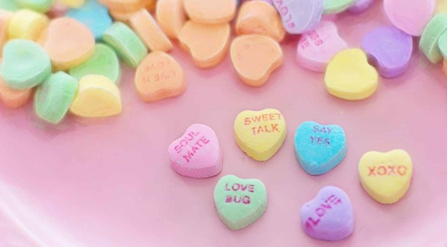 valentine-candy-hearts-conversation-sweet-37532.jpeg